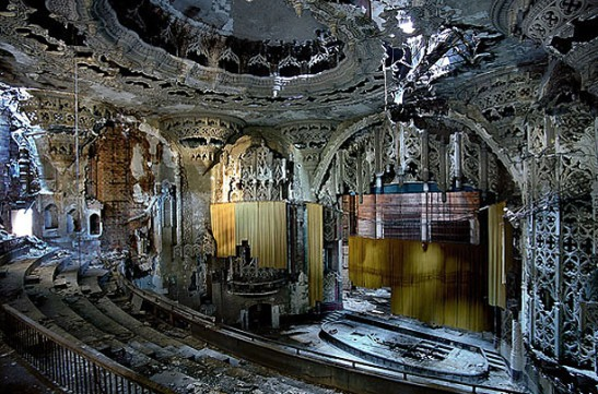 Detroit has had a beautiful and horrible decline. (Photo: Yves Marchand and Romain Meffre)