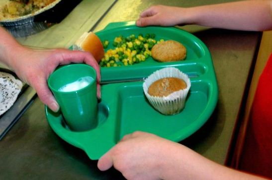 Can the take-up of school meals be improved? (Photo: Daily Mirror)